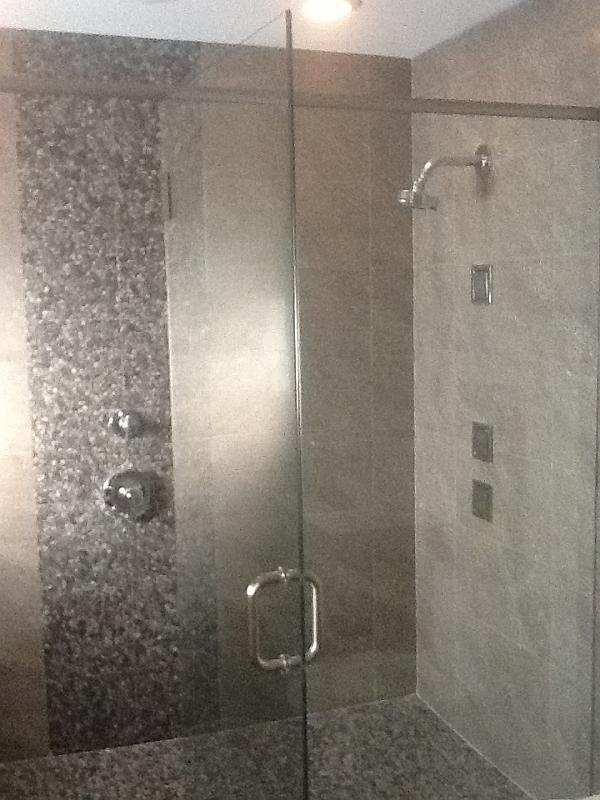 Glass Bath Enclosures – JVR Builder